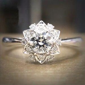 New Women's 925 Silver Flower Diamond Ring